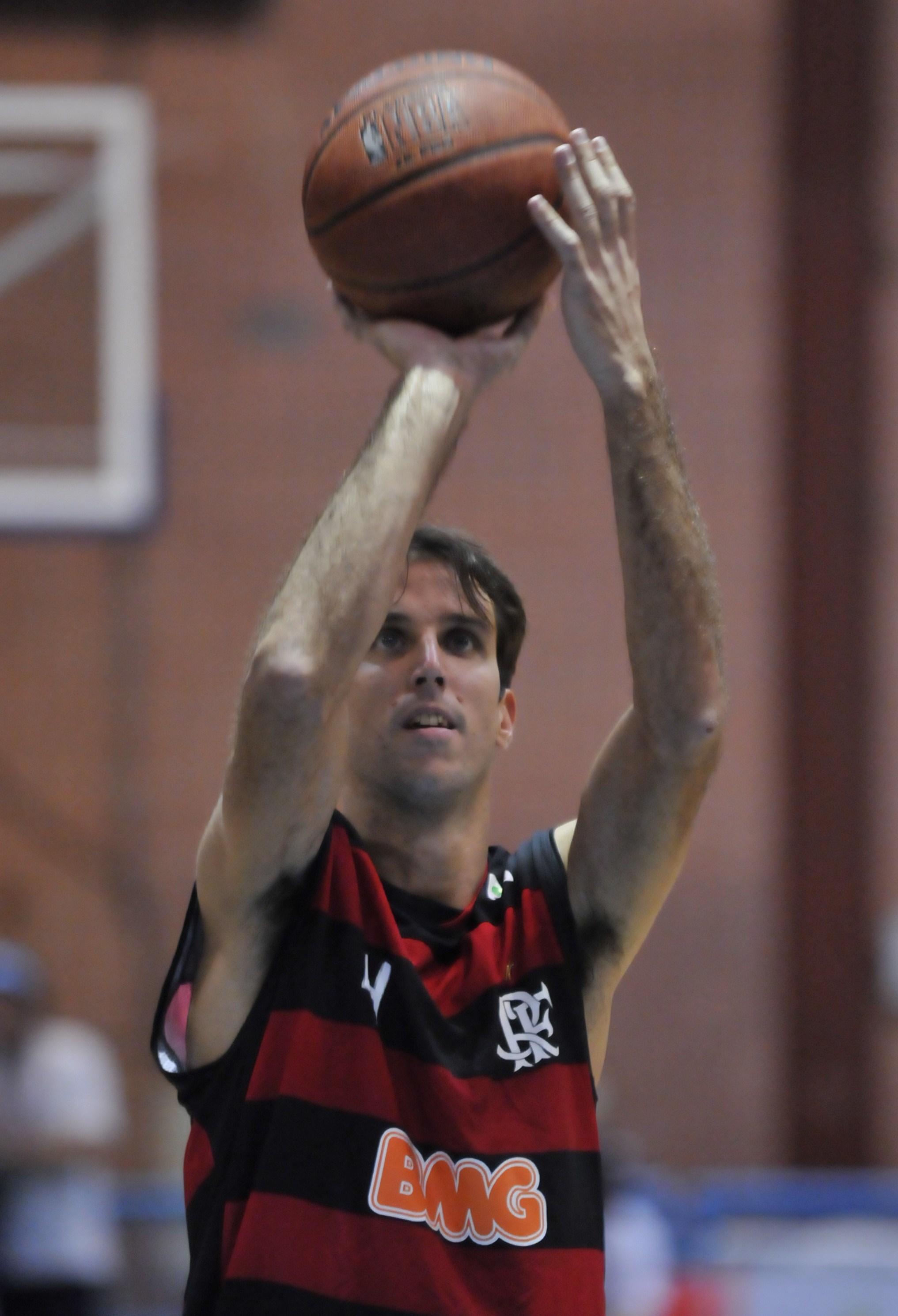 Marcelinho faz história e Flamengo vence no NBB – Liga Nacional de ... e3ae237e95fb0
