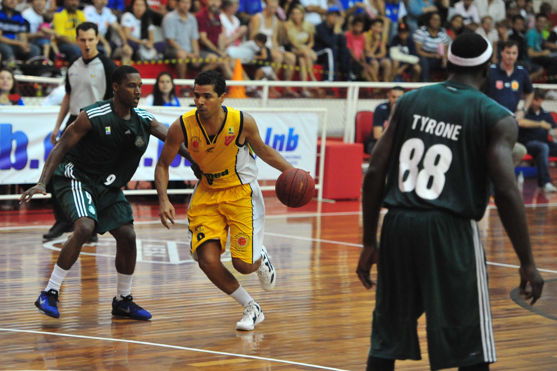 Luiz Felipe, do São José