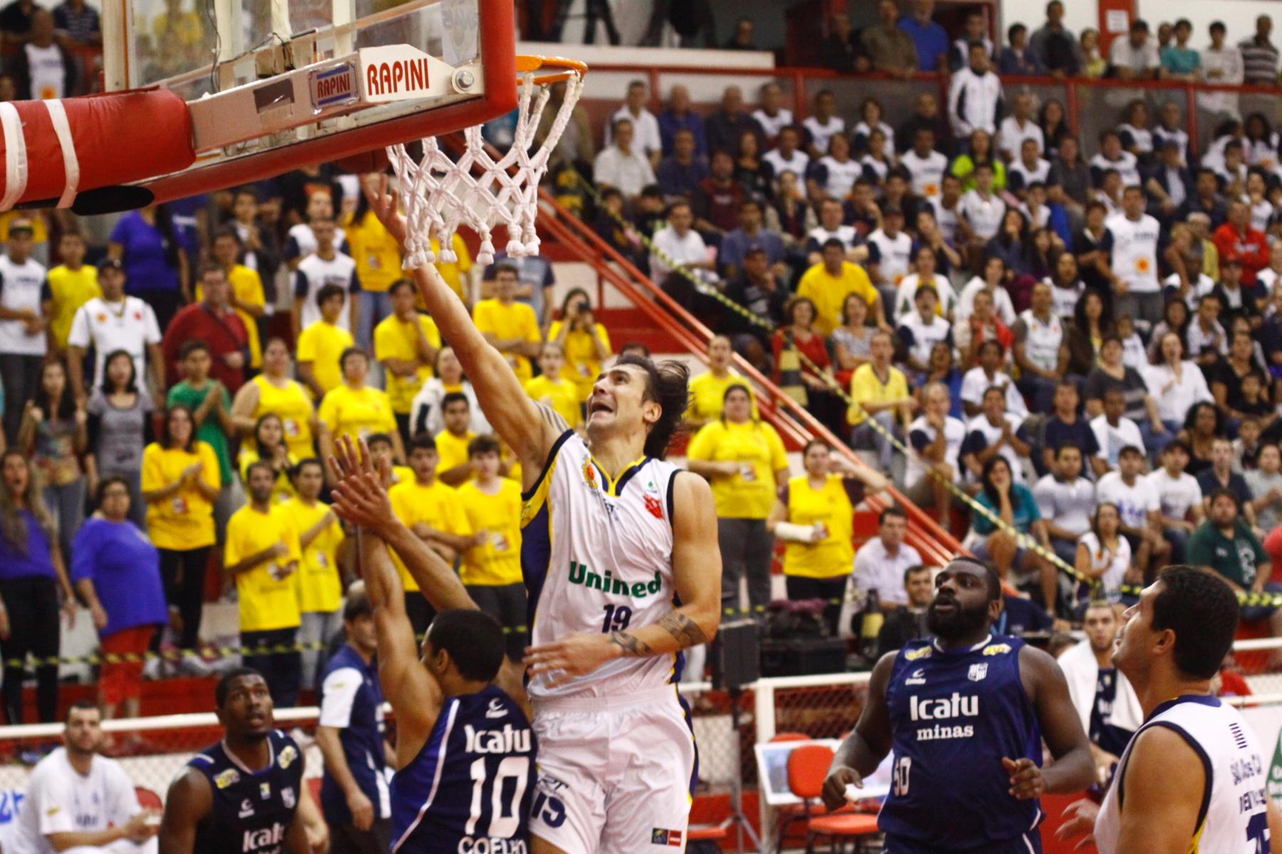 Álvaro Calvo, do São José