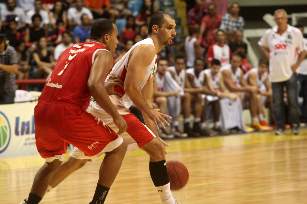 Drudi, do Basquete Cearense, e Wagner, do Paulistano