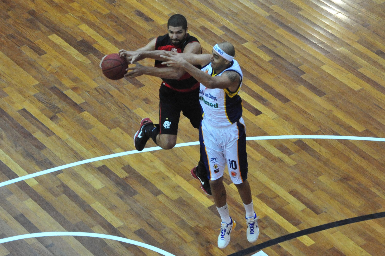 Olivinha, do Flamengo, e Jefferson, do São José