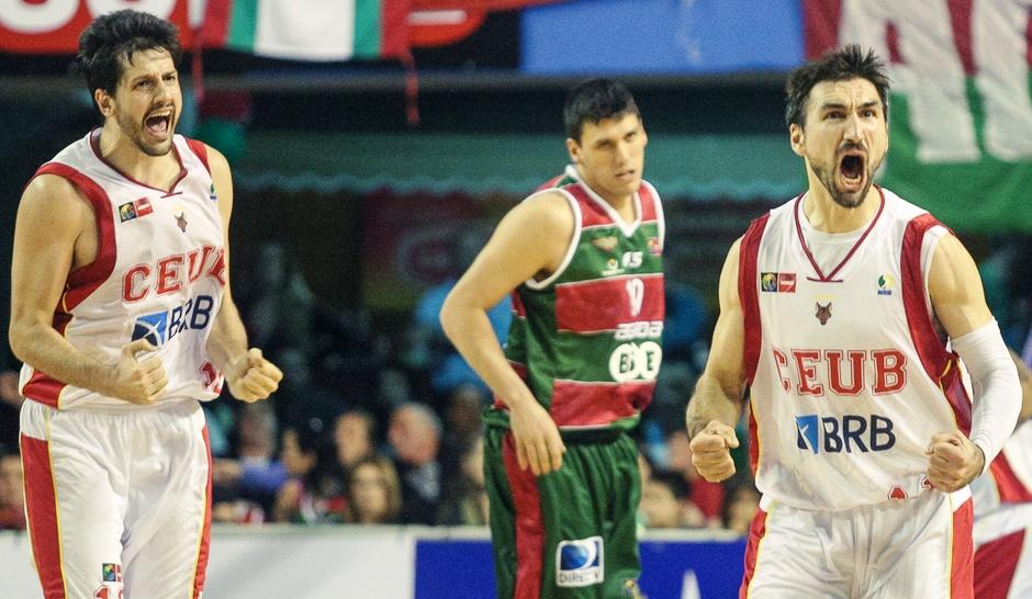 Osimani e Guilherme Giovannoni tiveram participações decisivas no título do Brasília (Samuel Vélez/FIBA Américas)