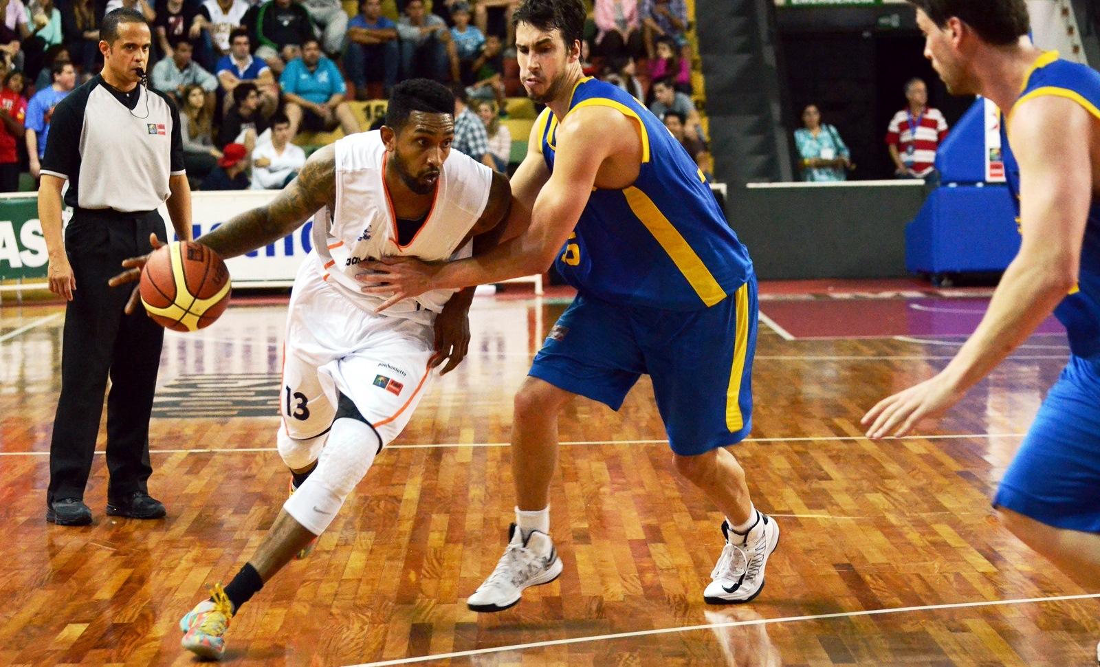 Recém-chegado ao Bauru, Ayarza teve uma boa estreia pela equipe (Caio Casagrande/Bauru Basket)