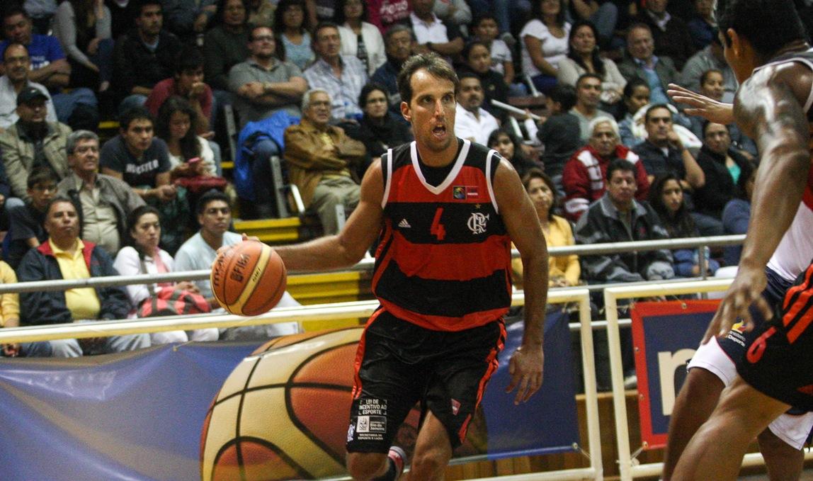 O experiente Marcelinho Machado foi o destaque do triunfo rubro-negro (Samuel Vélez/FIBA Américas)