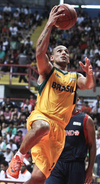 MVP do Jogo das Estrelas pela segunda vez seguida, Alex Garcia completa 200 jogos no NBB (Jarbas Oliveira/LNB)