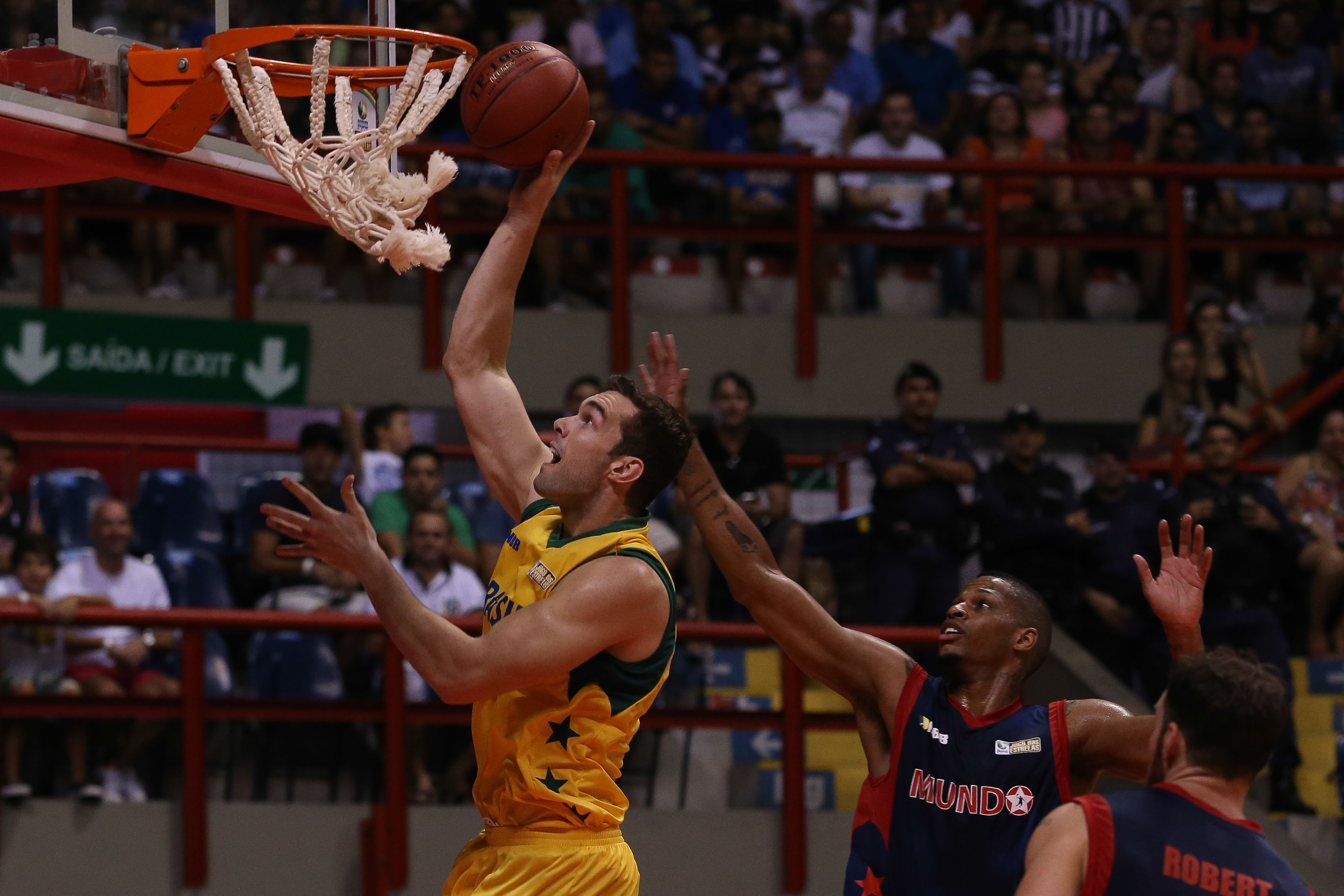 Murilo Becker, do NBB Brasil, e Shamell, do NBB Mundo
