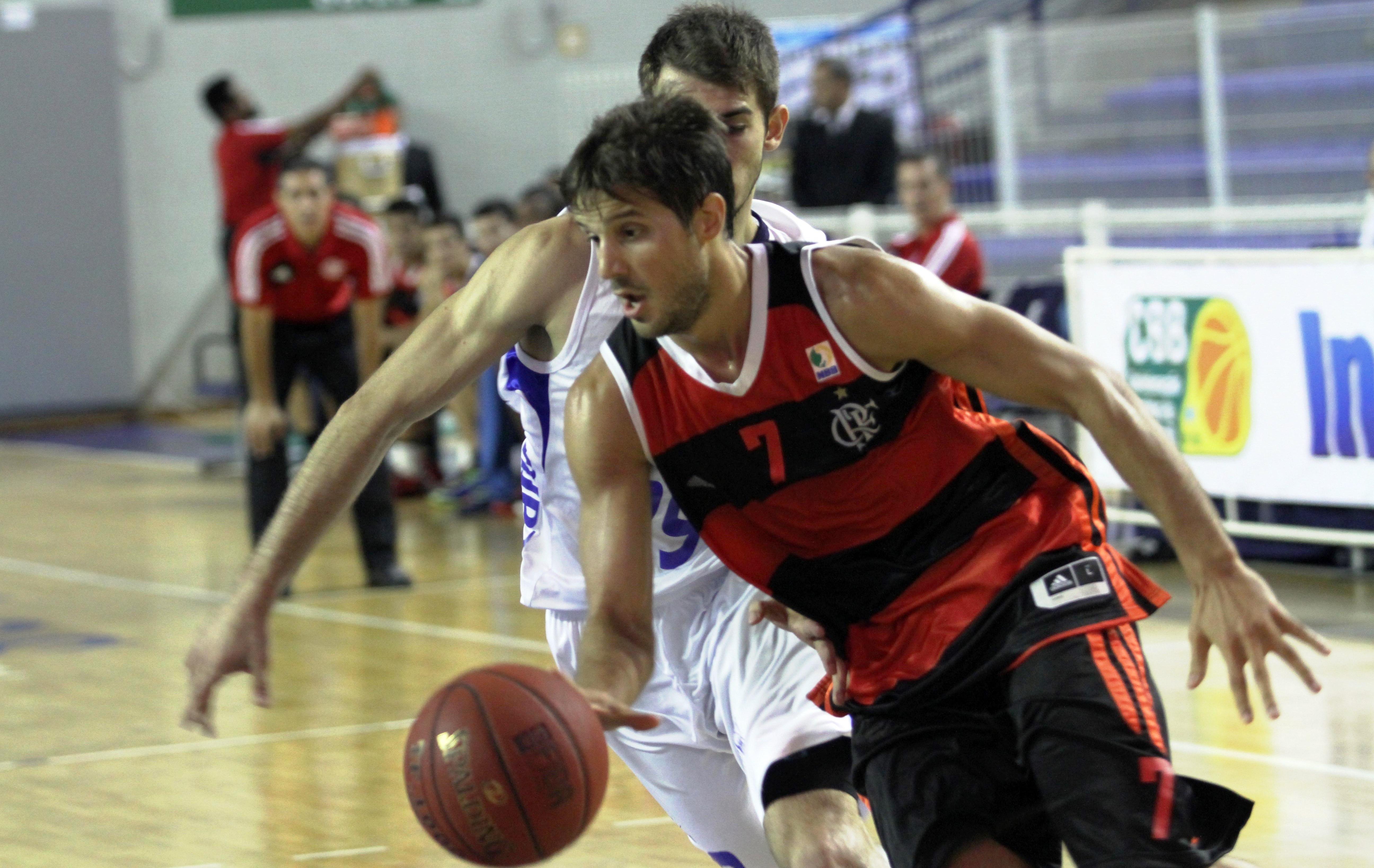 Estreante no NBB, Laprovittola foi o jogador mais votado para o Jogo das Estrelas 2014 (Orlando Bento/Divulgação)