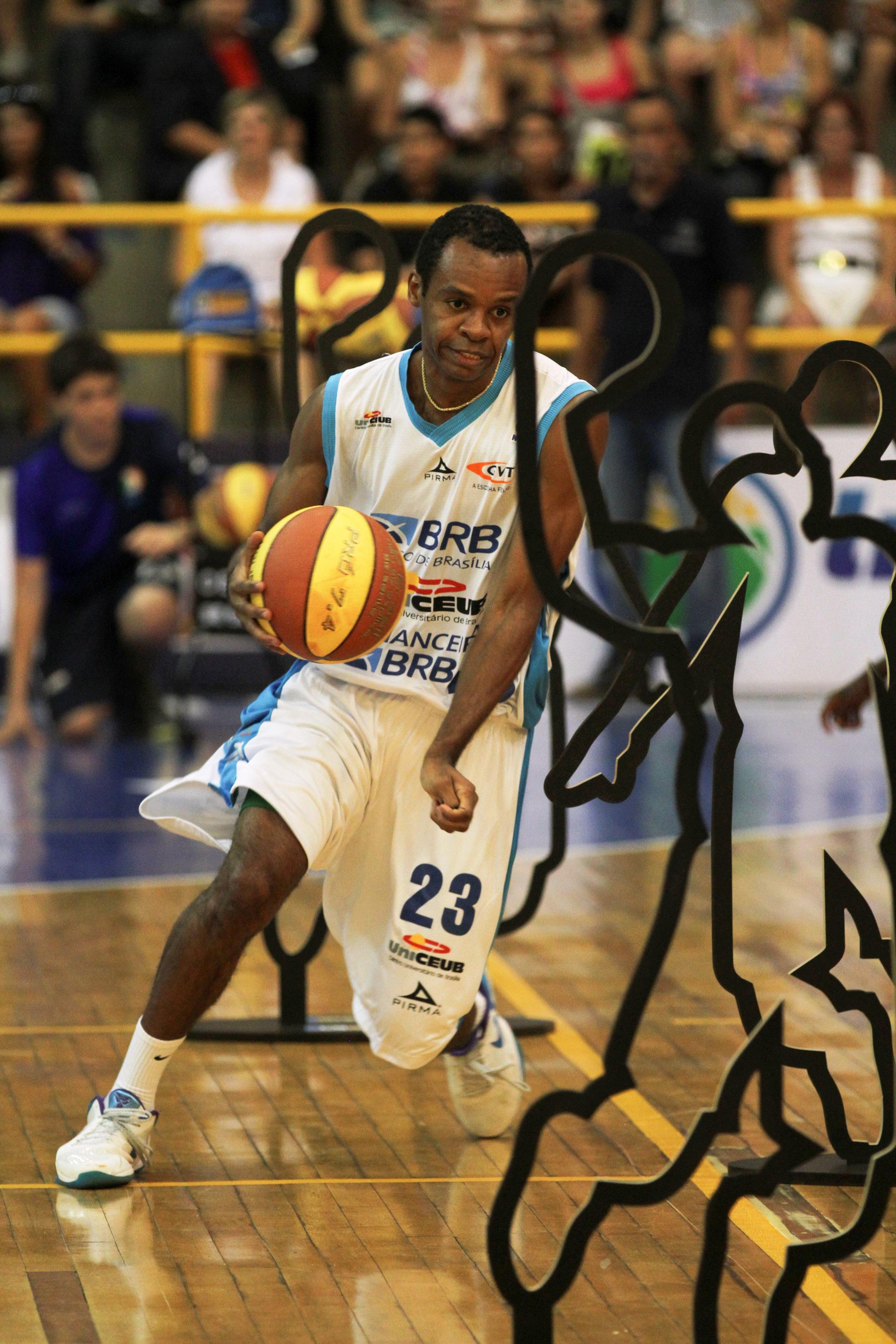Derrotado por Penna na final de 2012, , Nezinho participará novamente do Desafio de Habilidades (Luiz Pires/LNB)