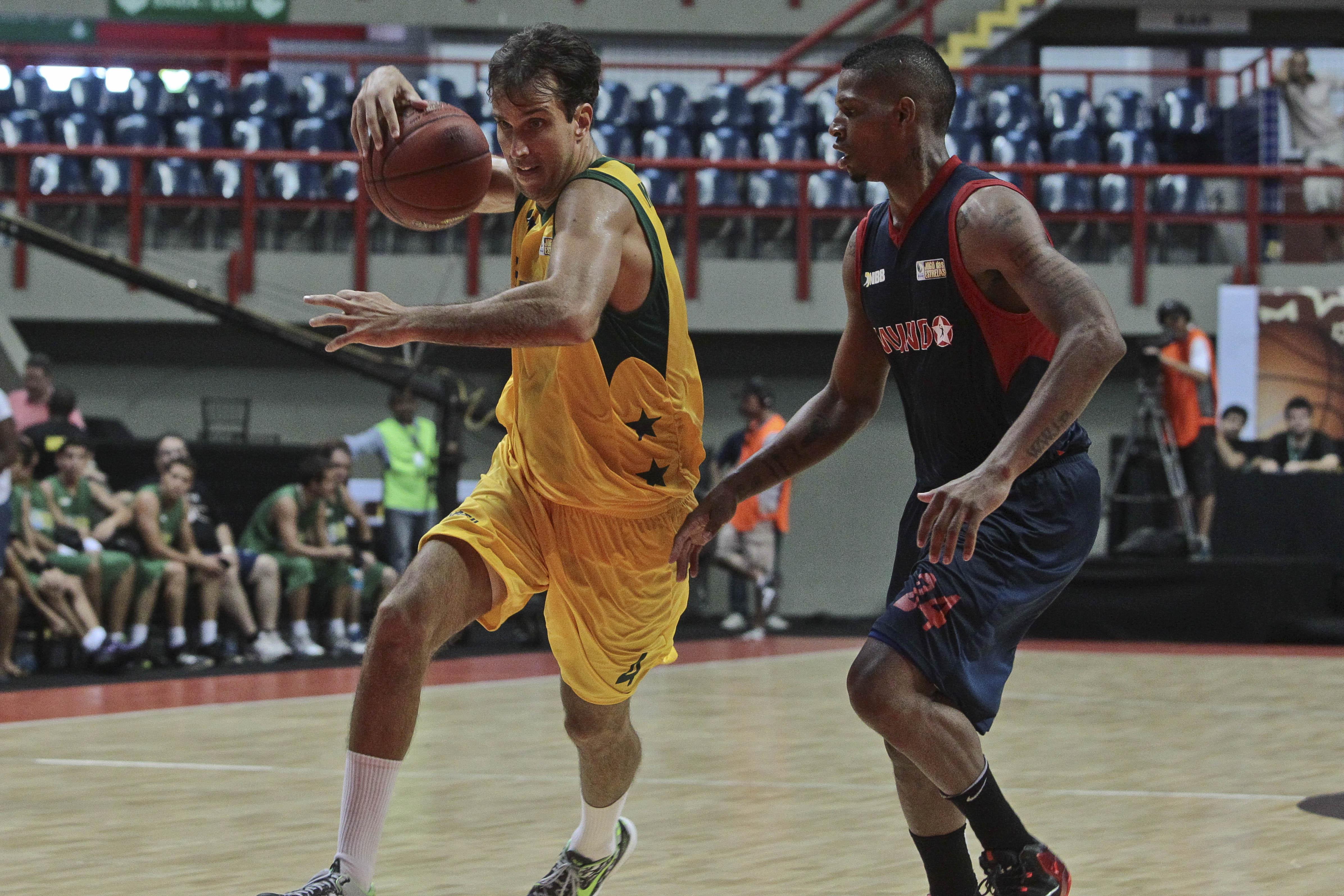 Marcelinho, do NBB Brasil, e Shamell, do NBB Mundo