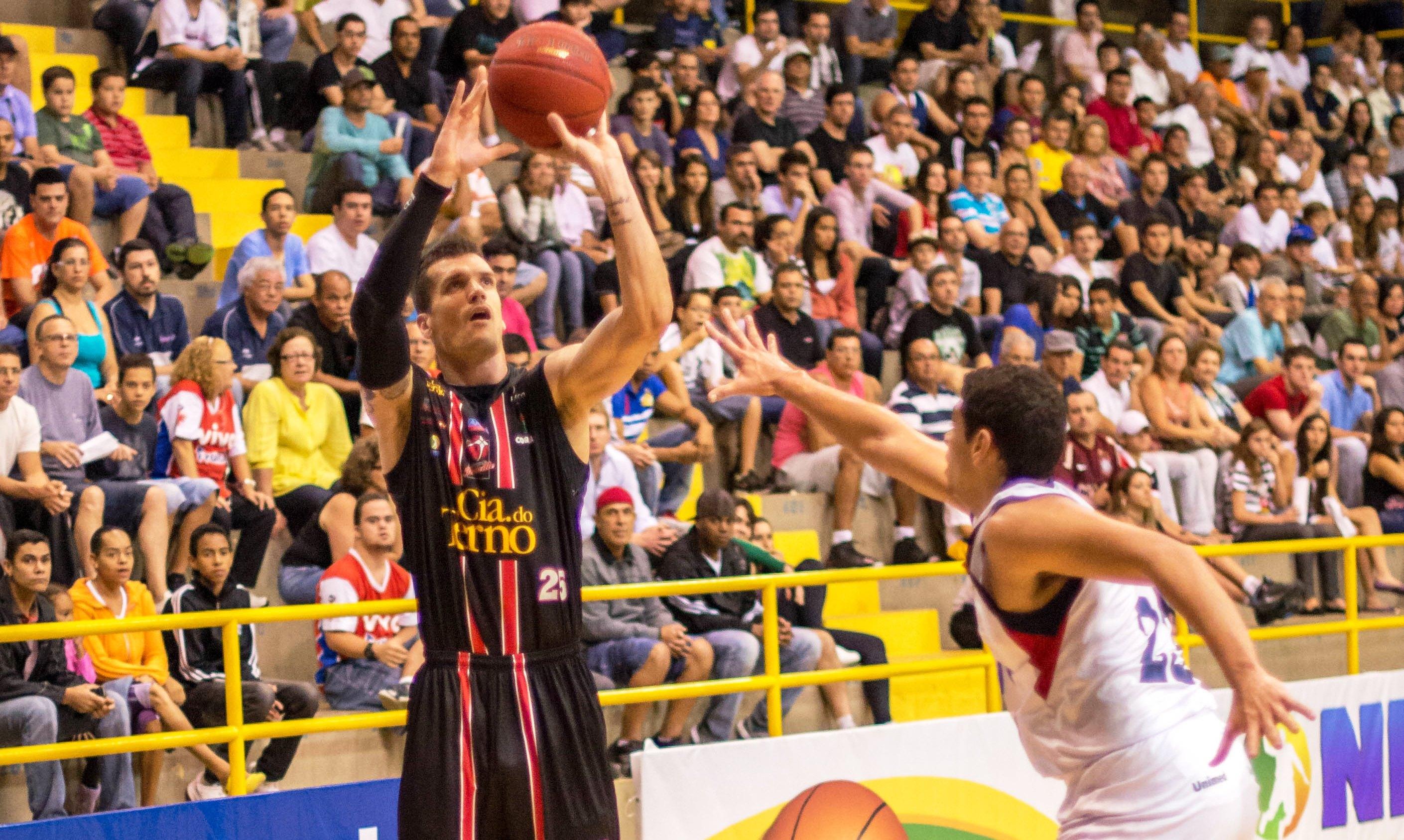Um dos destaques do Joinville no último NBB, Vinícius Teló defenderá o Lins na Liga Ouro (Newton Nogueira/Divulgação)