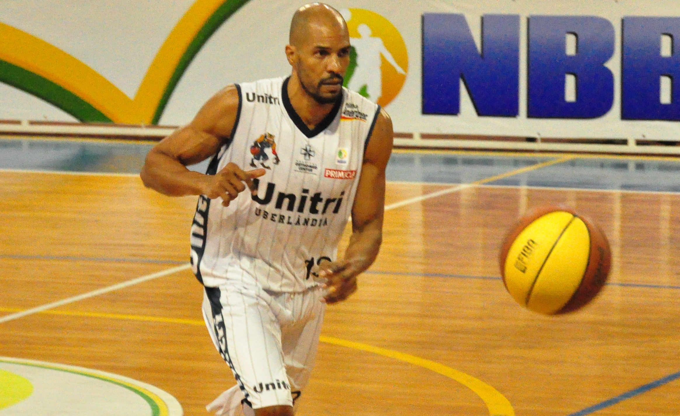 Como jogador, Brasília disputou dois NBB's por Uberlândia, depois virou assistente e agora será o treinador da equipe (Marcos Ribeiro/Divulgação)