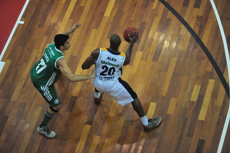 Alex, do São José, e Fabrício, do Palmeiras