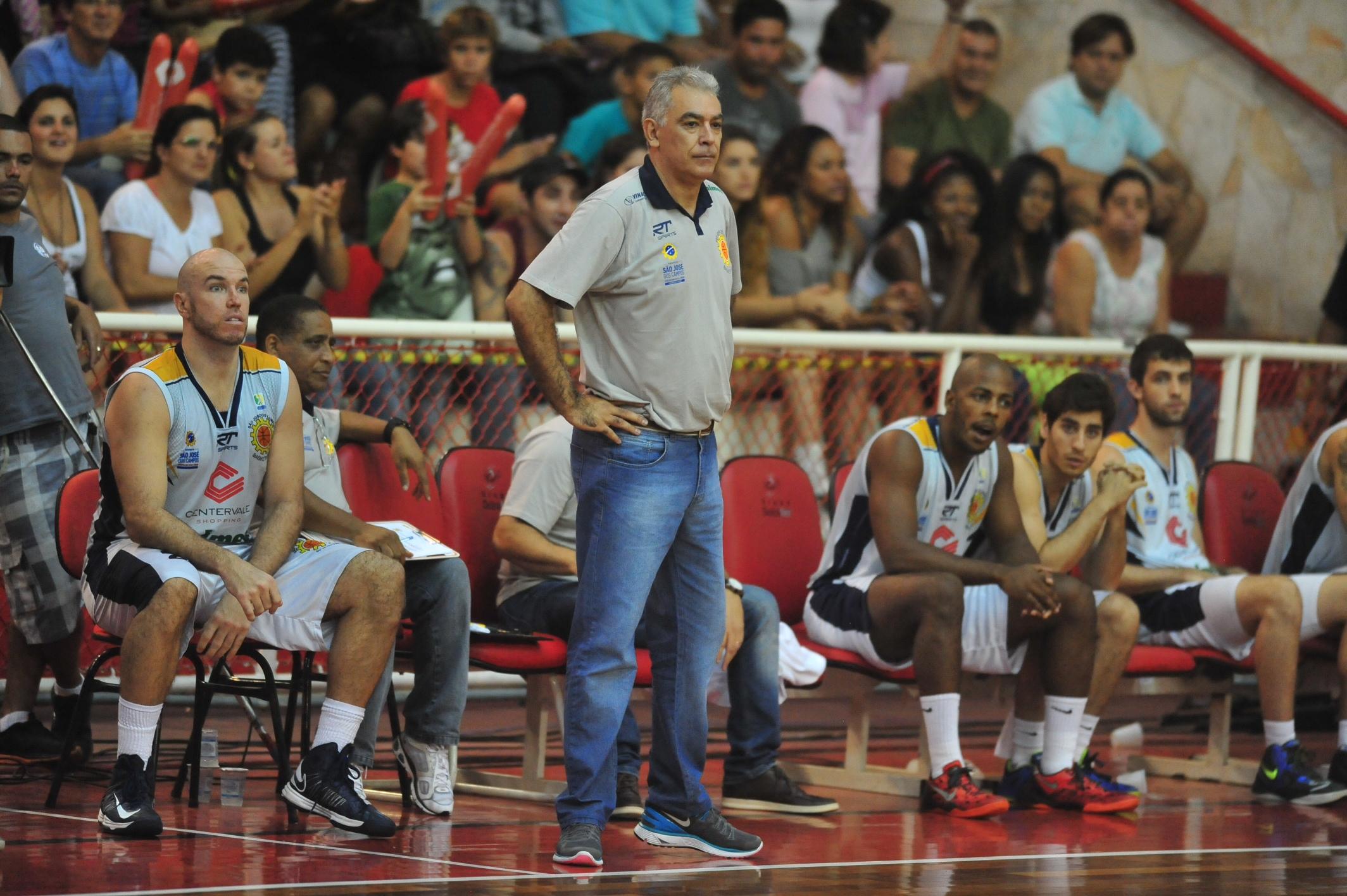Técnico Luiz Augusto Zanon, do São José
