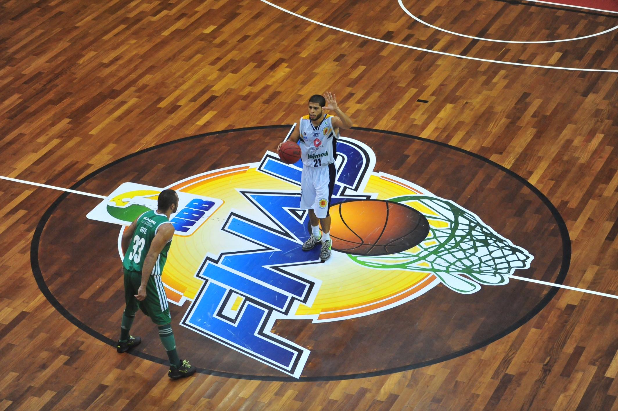 Quezada, do São José, e Guto, do Palmeiras