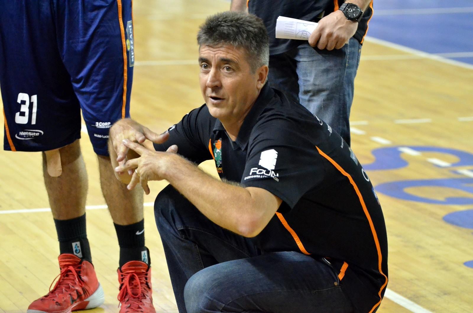 Com 106 vitórias, Guerrinha ultrapassou Hélio Rubens e se tornou o técnico com o maior número de triunfos na história do NBB (Caio Casagrande/Bauru Basket)