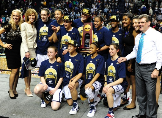 University of Connecticut posa para foto após conquistar o campeonato da NCAA (Don McPeak - USA Today Sports)