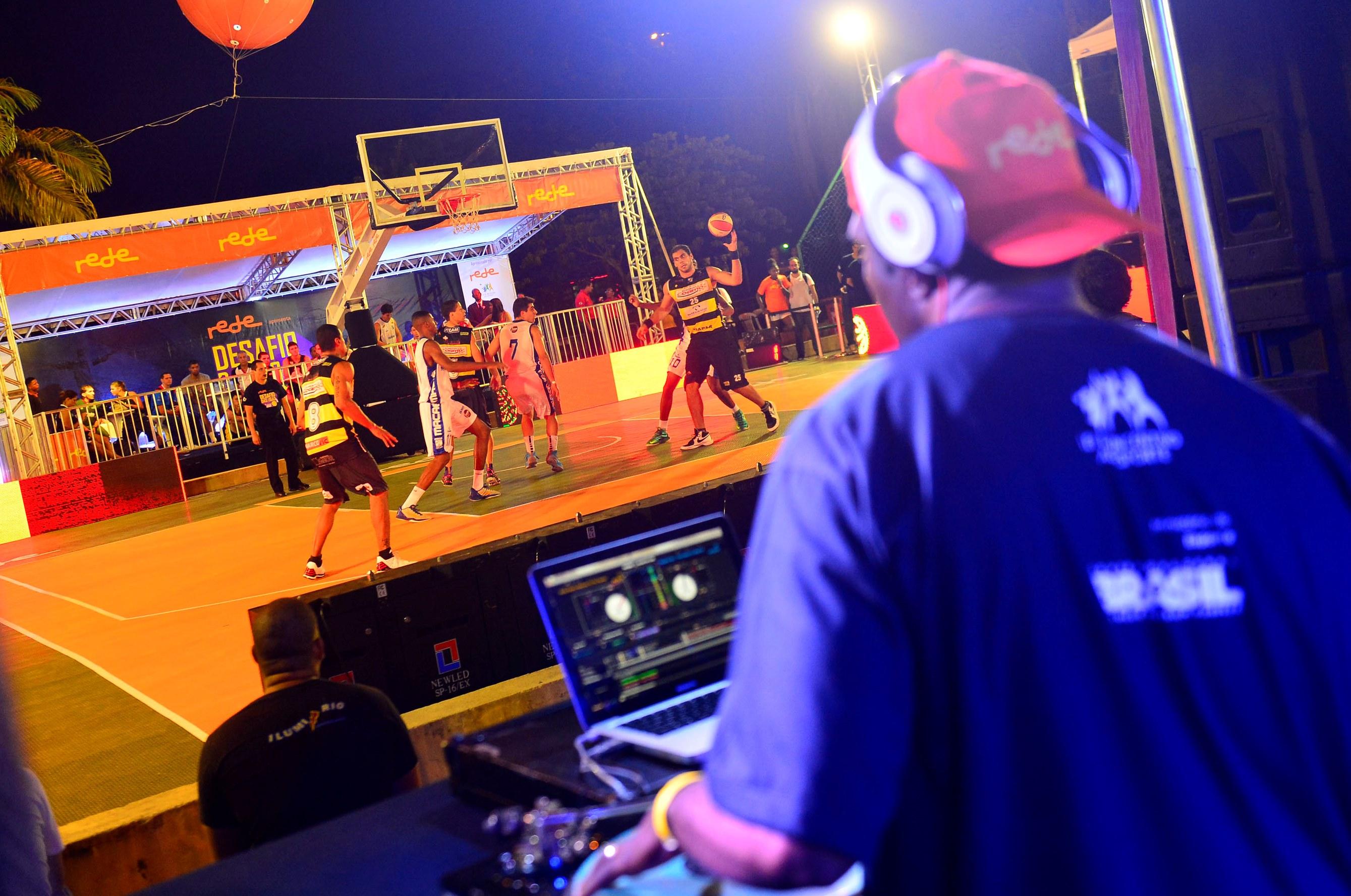 Partidas acontecem ao som da batida do DJ Sick; disputas seguem neste sábado (Daniel Ramalho/ZDL)