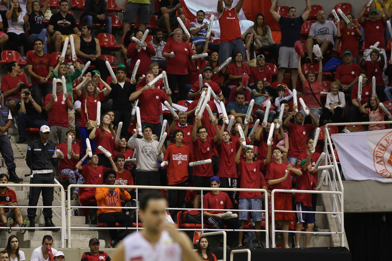 Mais de 200 torcedores do Paulistano foram ao Rio de Janeiro apoiar a equipe vice-campeã (Luiz Pires/LNB)