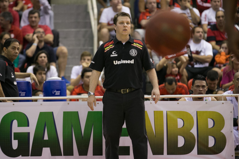 Gustavo De Conti, técnico do Paulistano (Luiz Pires/LNB)