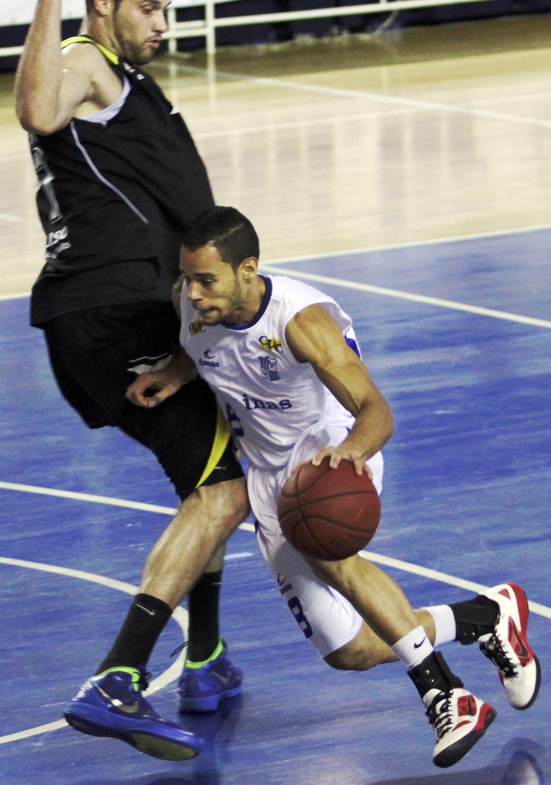Coelho foi 4º maior pontuador do Minas na temporada (Orlando Bento/Divulgação)