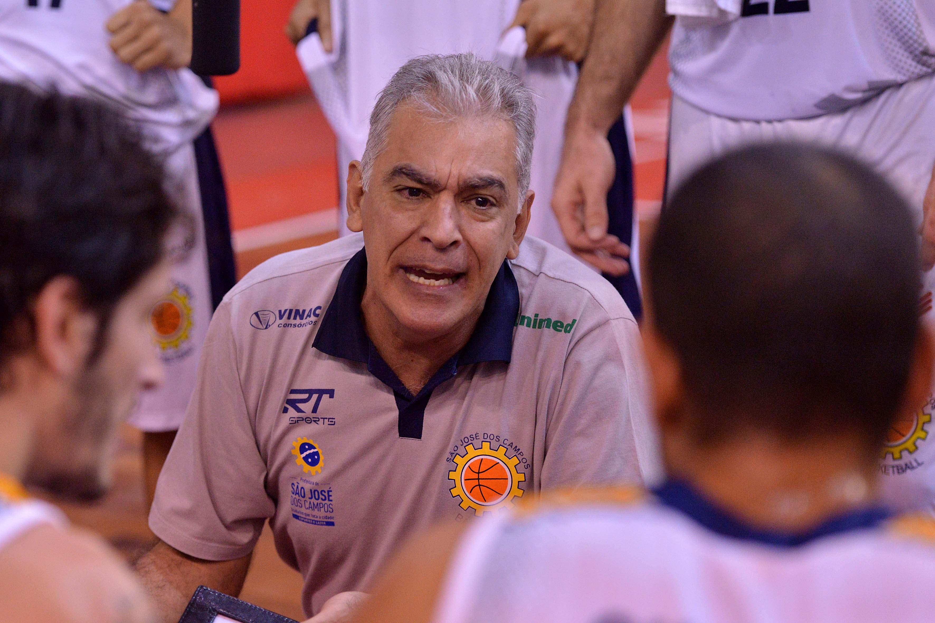 Zanon, técnico do São José