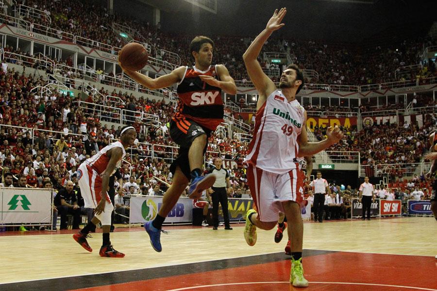 Laprovittola, do Flamengo, e Labbate, do Paulistano (Ricardo Ramos/LNB)