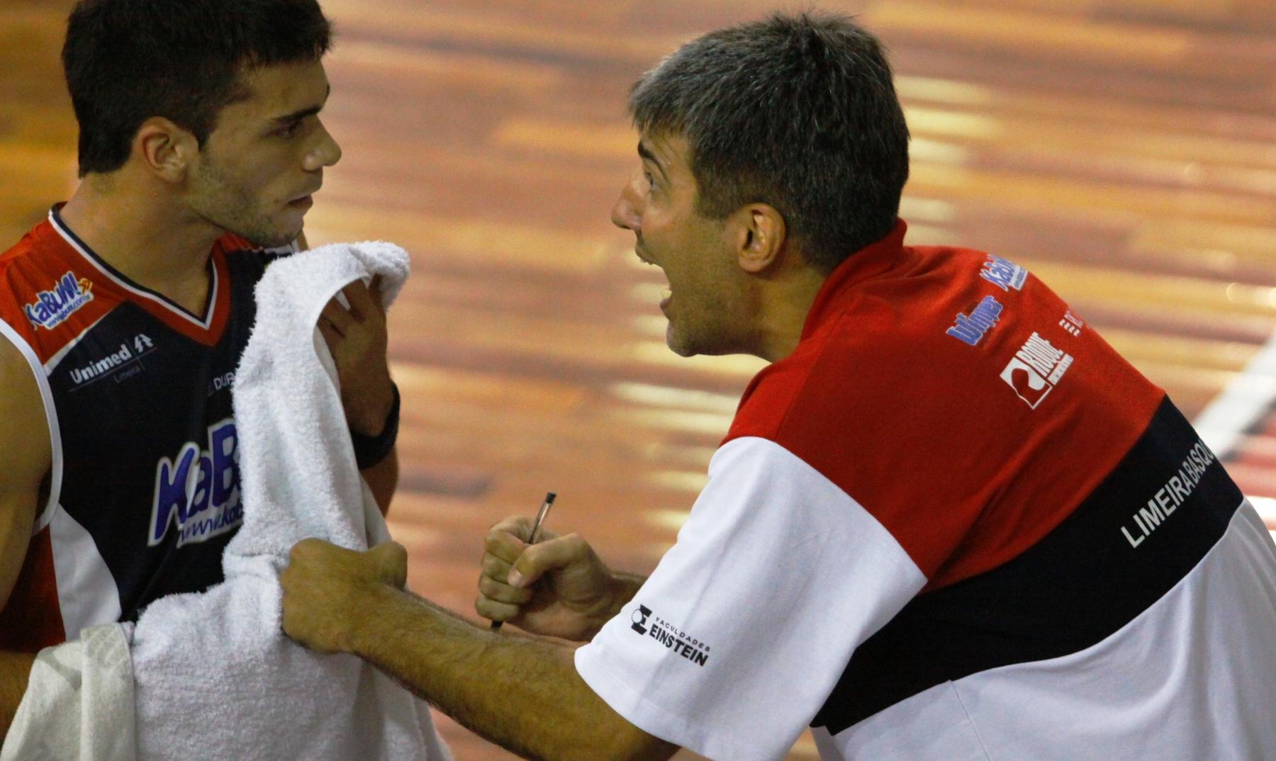 Depois de passar quatro anos como assistente, Dedé assumirá a função de treinador do Limeira
