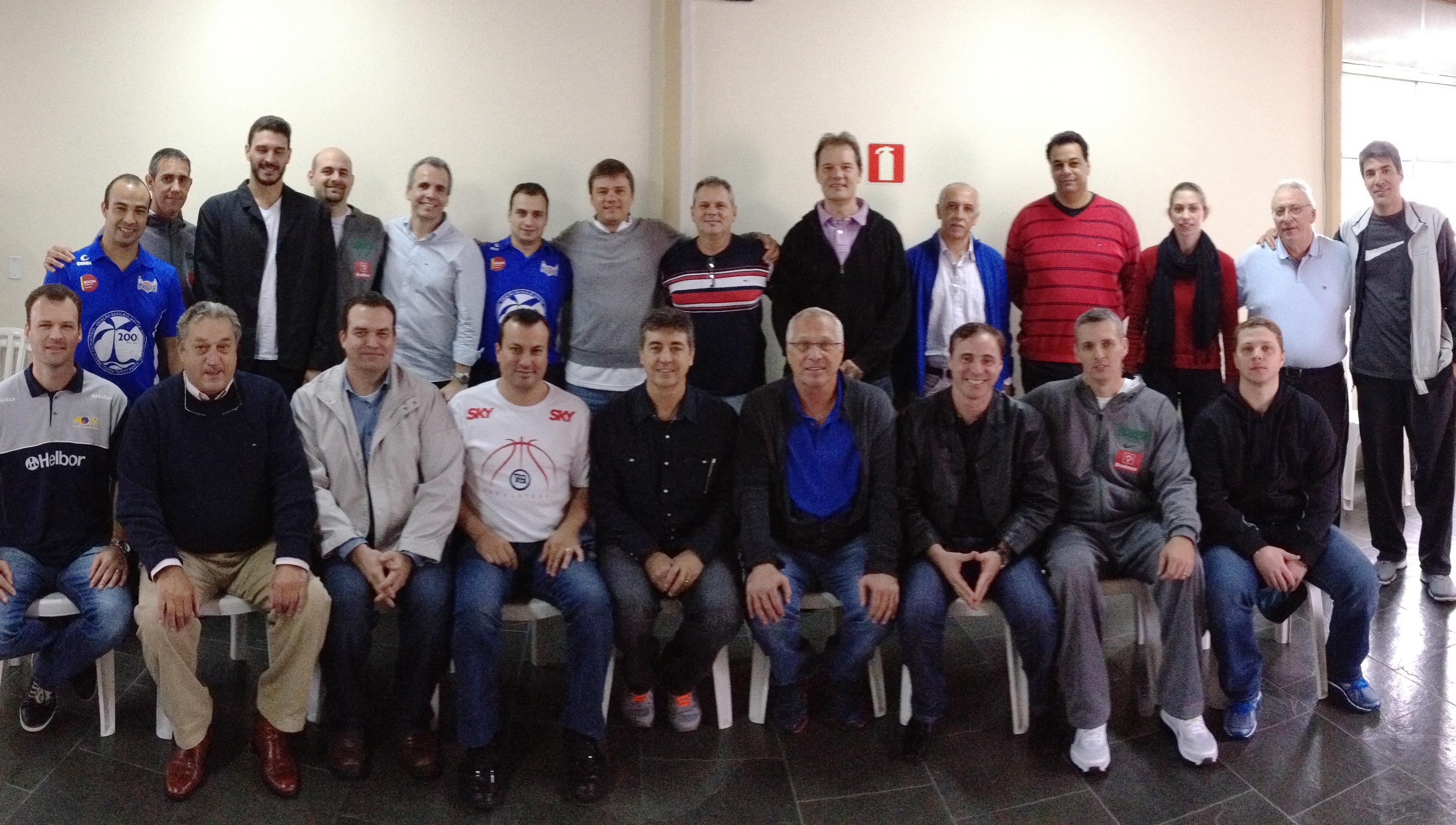 Reunião contou com a presença de treinadores, assistentes e alguns dirigentes de times do NBB (Divulgação/LNB)
