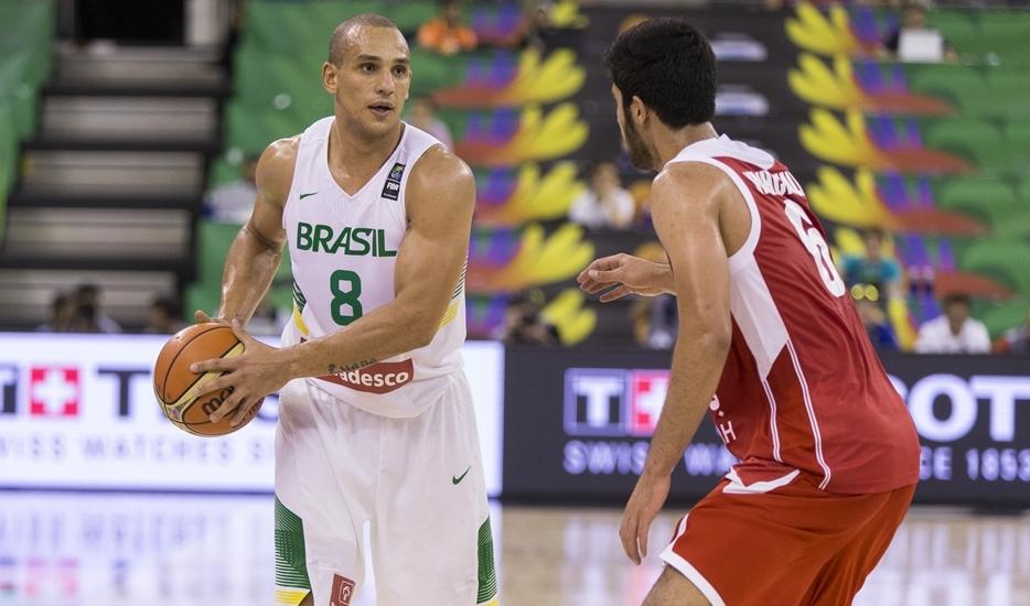 Alex foi o maior pontuador brasileiro na partida frente ao Irã (FIBA/Divulgação)