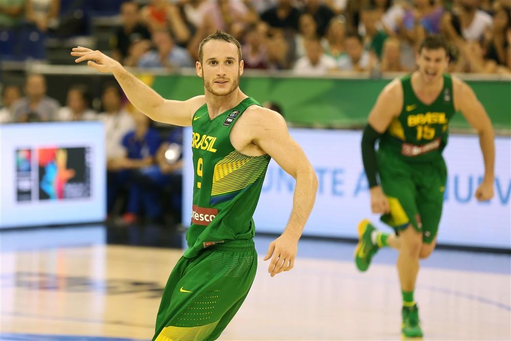 Marcelinho Huertas teve atuação decisiva para o triunfo do Brasil na estreia do Mundial (Divulgação/FIBA)