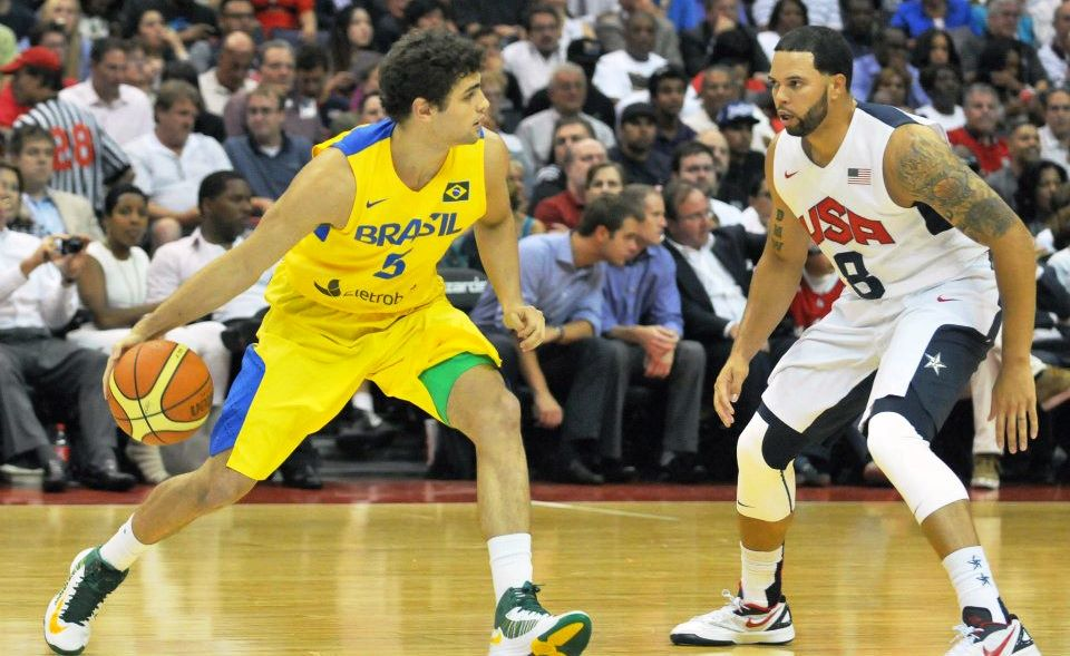 Em 2012, durante sua preparação para os Jogos Olímpicos, Brasil também duelo com os Estados Unidos (Colin Foster/Divulgação)