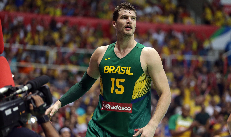 Com alto aproveitamento nas bolas de dois pontos, Splitter foi o cestinha brasileiro (Gaspar Nóbrega/Inovafoto)