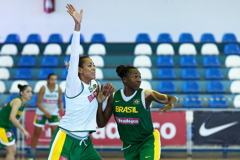 Érika de Souza e Clarissa dos Santos são dois dos nomes convocados pelo técnico Luiz Augusto Zanon para defender o Brasil no Campeonato Mundial de Basquete Feminino (Wagner Carmo/Inovafoto)