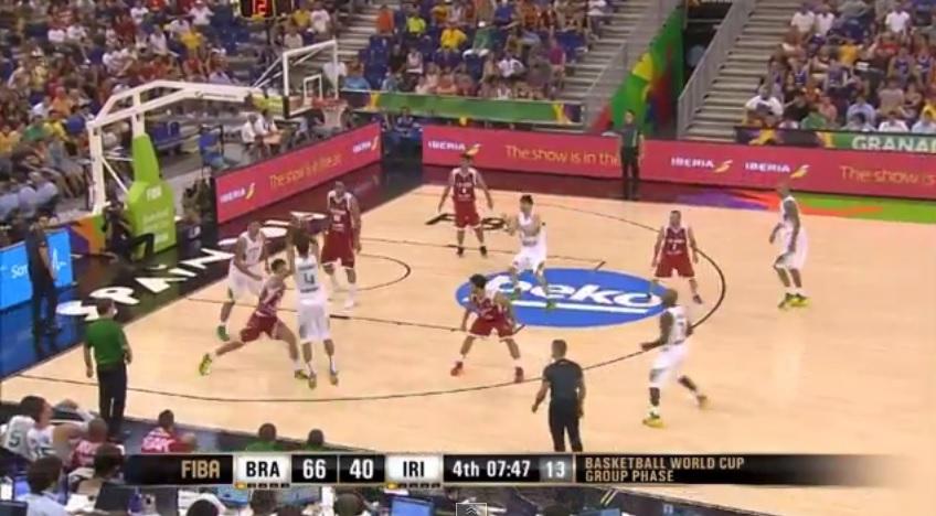 Na maior parte do último quarto, o Brasil tinha em quadra apenas jogadores do NBB