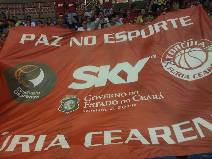 Bandeirão da Torcida Fúria Cearense (Foto: Facebook do Marcelo Tito)