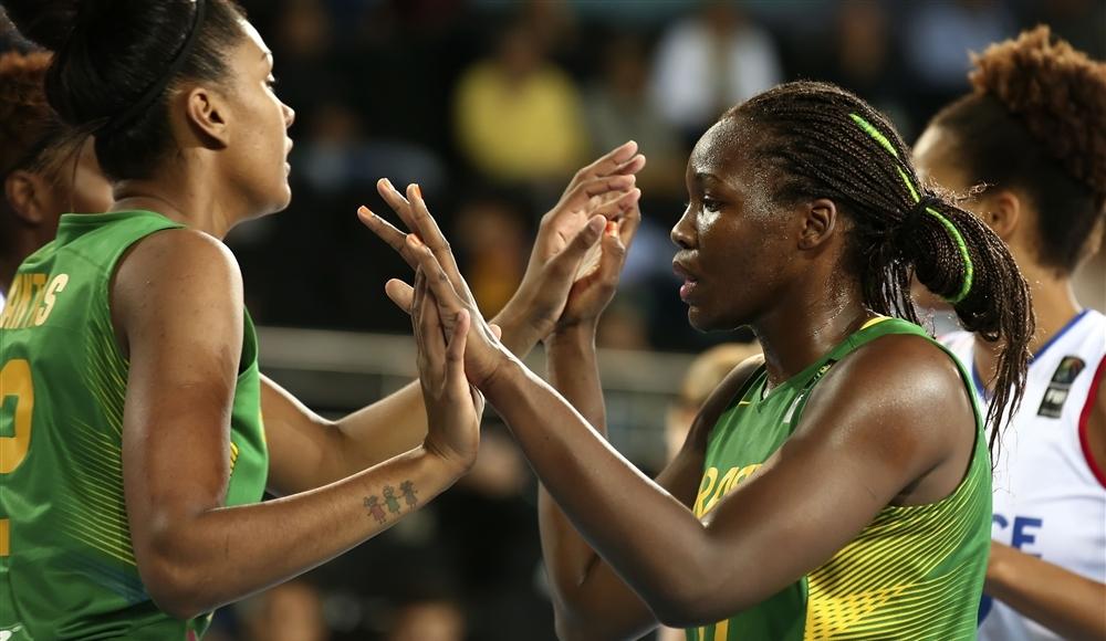 Seleção Brasileira chegou às oitavas de final, mesmo com elenco quase completamente novo (FIBA/Divulgação)