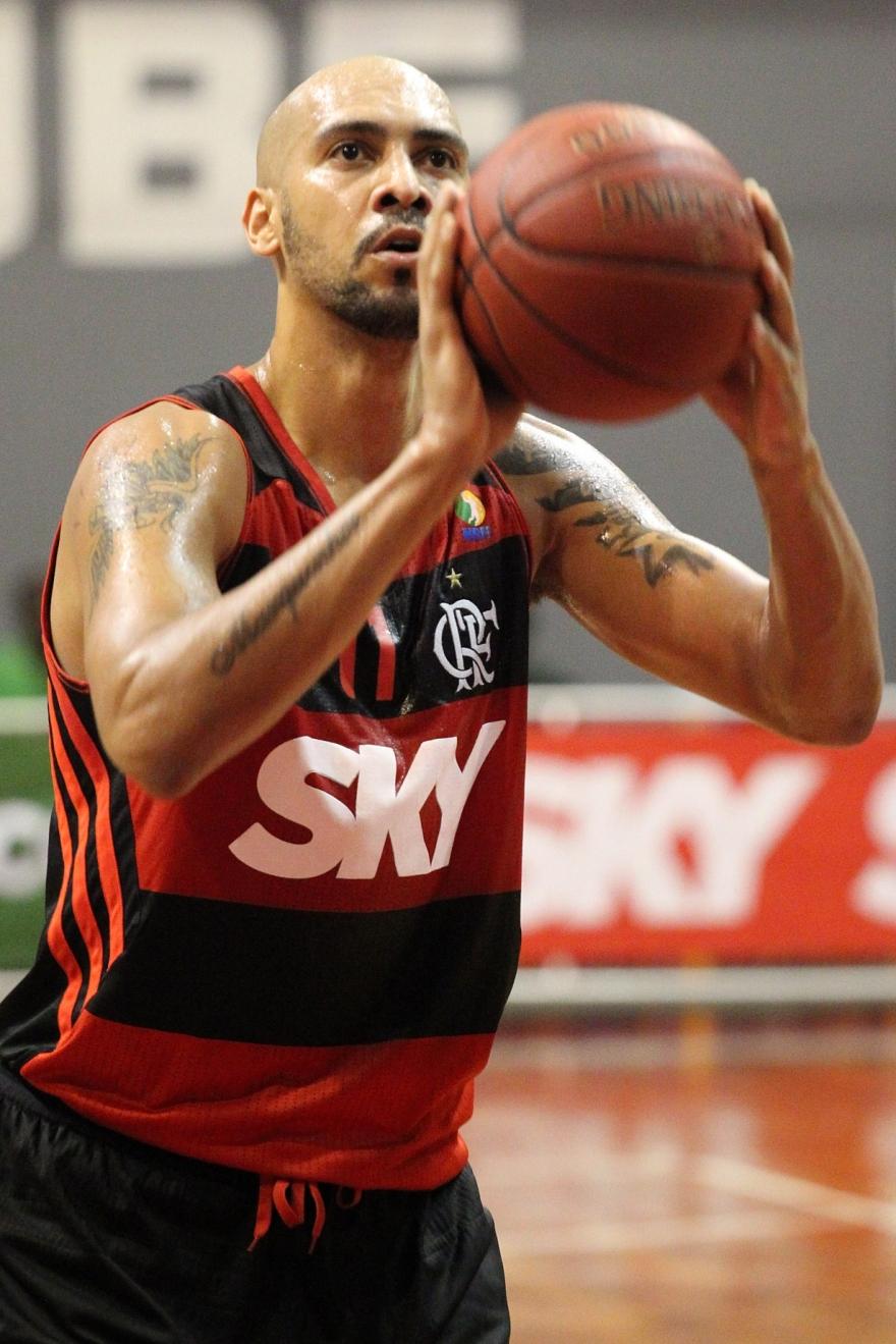 Com 10 pontos,Marquinhos foi peça fundamental na virada do Flamengo no 3º quarto (Gilvaz de Souza/Flamengo)