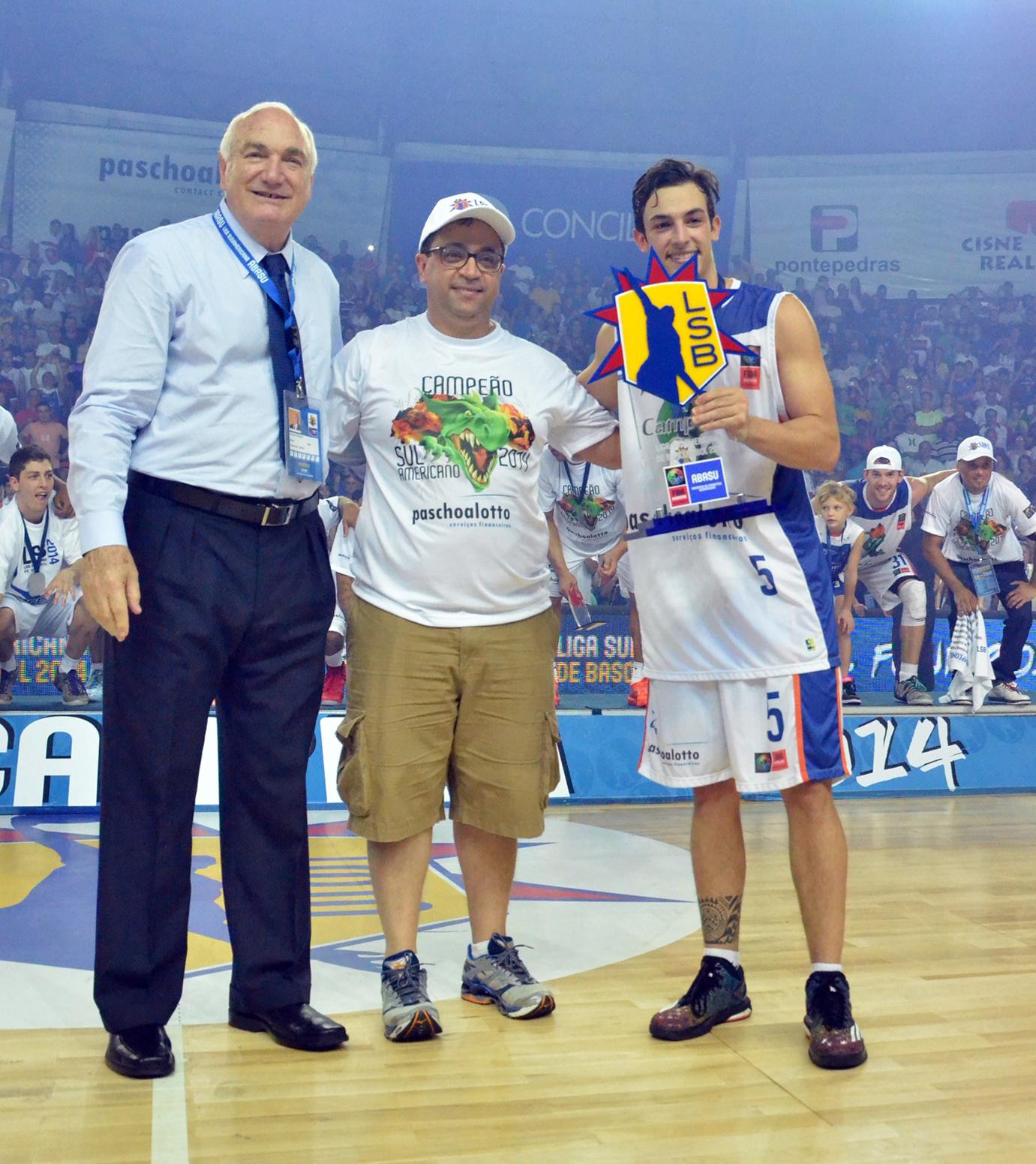 No final de 2014, Bauru conquistou o título sul-americano (FIBA Americas)