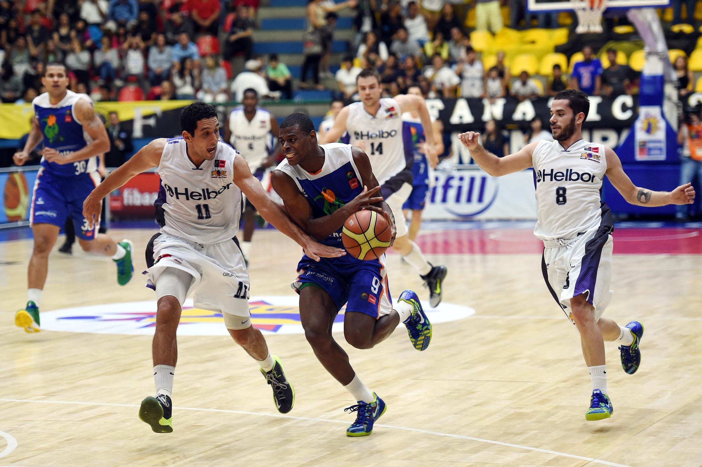 Bauru e Mogi farão a 3ª final brasileira da história da Liga Sul-Americana (Gaspar Nóbrega/FIBA Américas)
