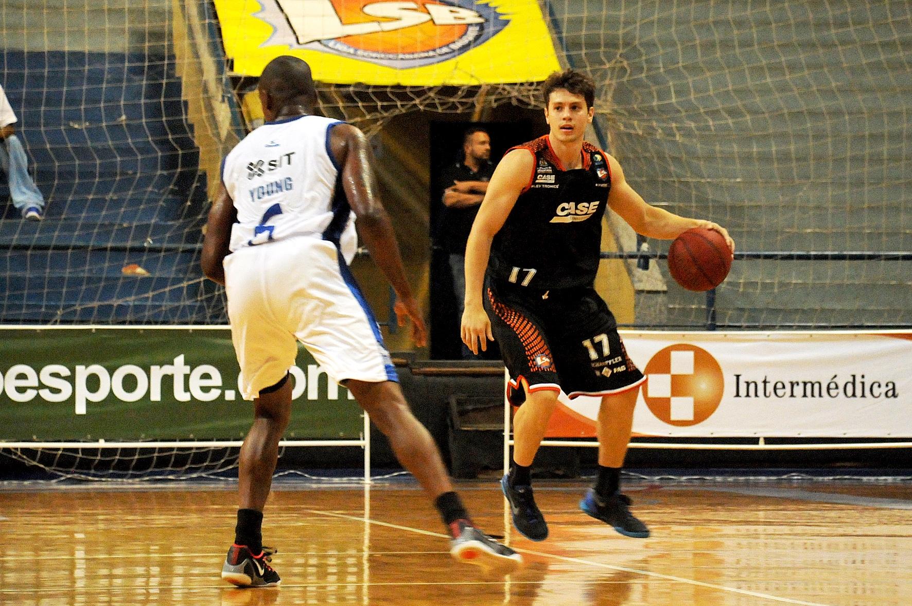 Jovem ala/armador Cauê Borges foi um dos destaques da primeira vitória da Liga Sorocabana no NBB 7 (Divulgação/LSB)