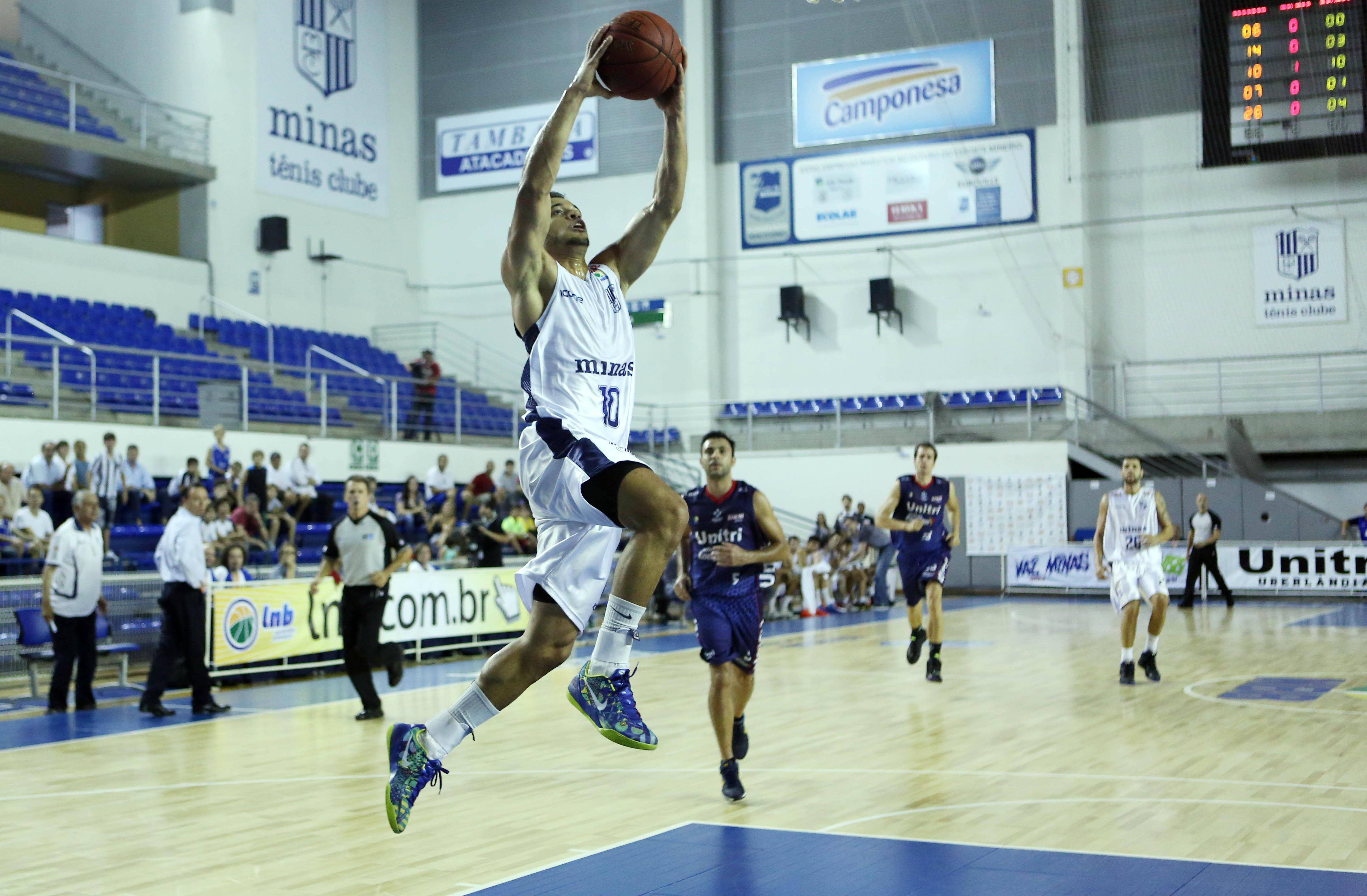 Destaque Jovem do NBB 6, Henrique Coelho é o grande líder do Minas nesta temporada (Orlando Bento/MTC)