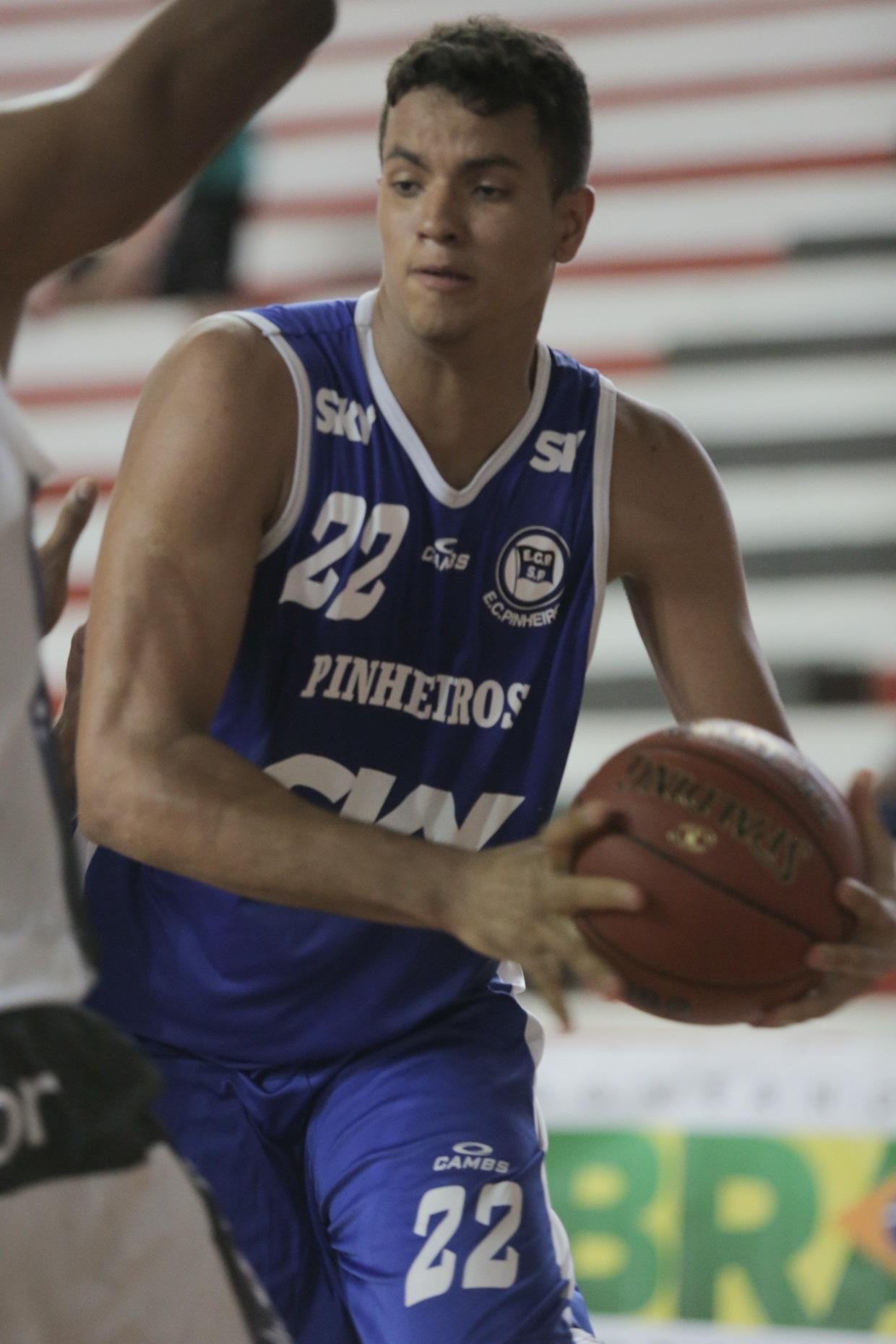 Lucas participou de todas as edições da LDB com a camisa do Pinheiros (João Neto/LNB)