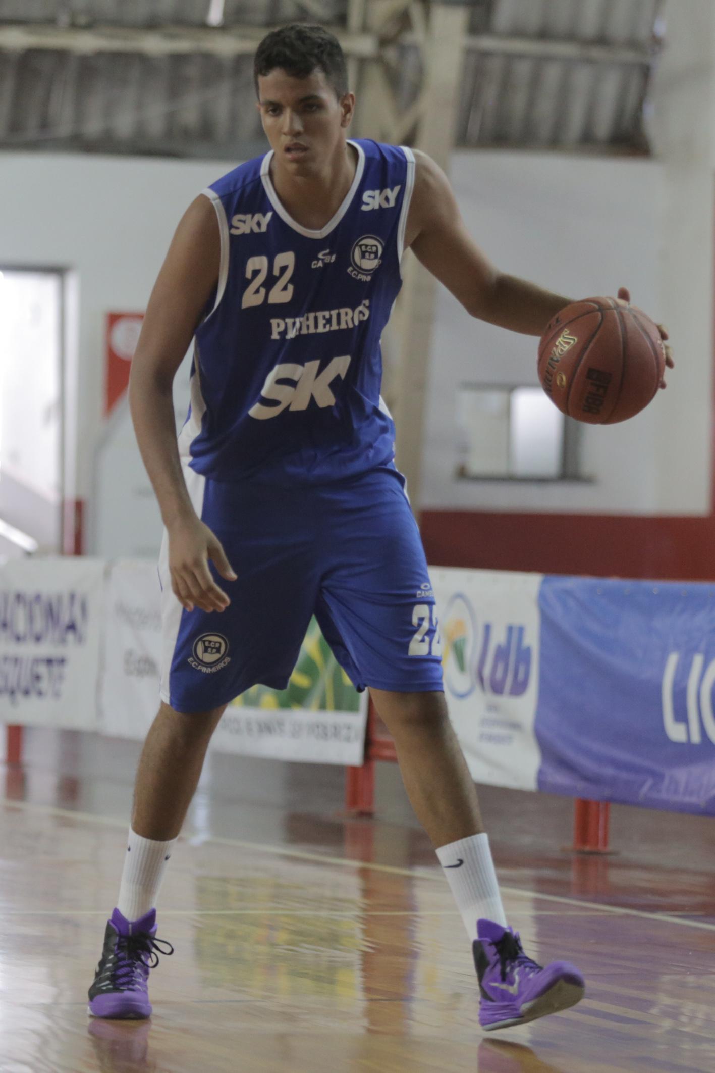 Lucas cravou o terceiro recorde da LDB; todos foram na atual edição (João Neto/LNB)