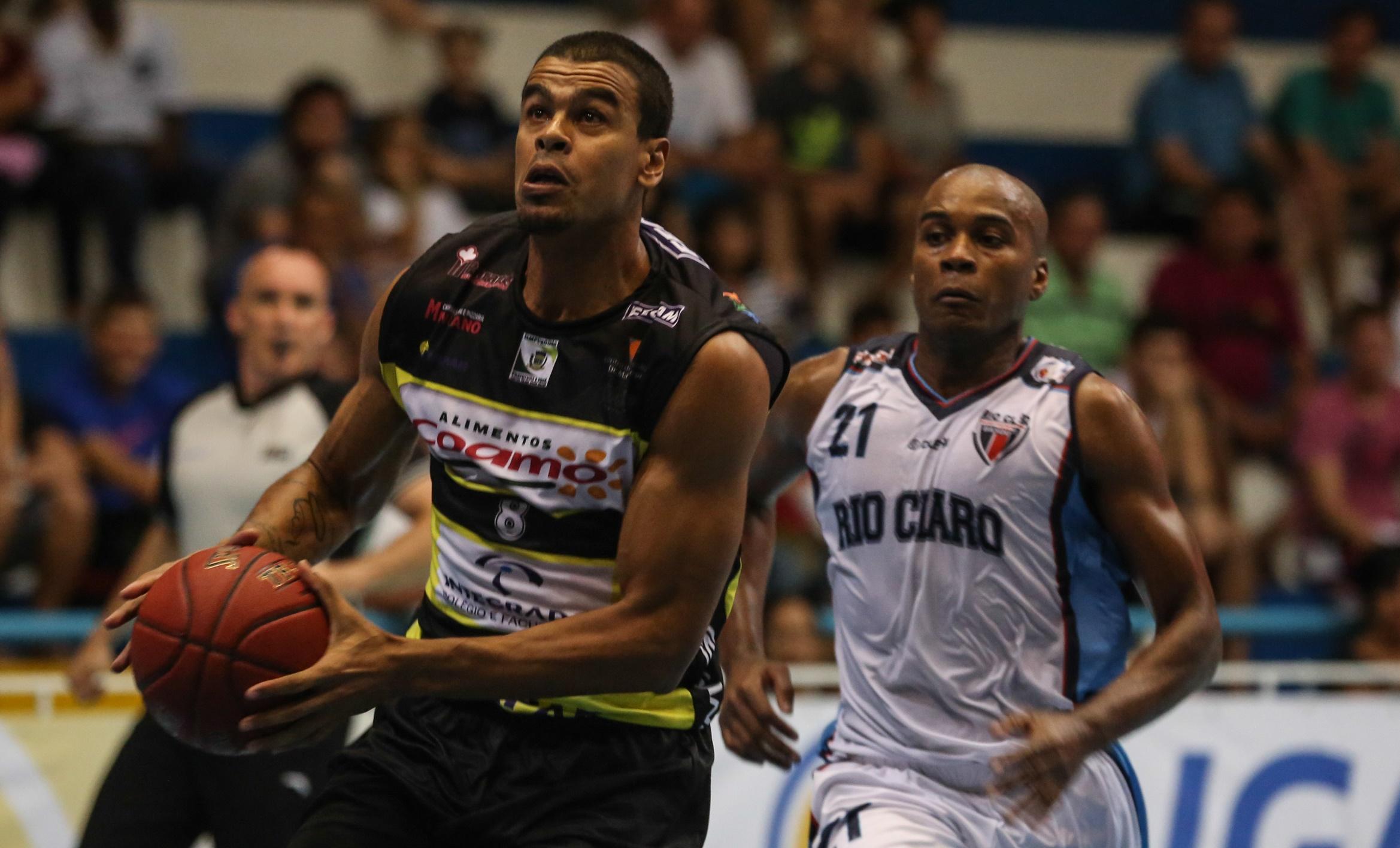 Campo Mourão é um dos remanescentes da temporada de estreia da Liga Ouro (Luiz Pires/LNB)