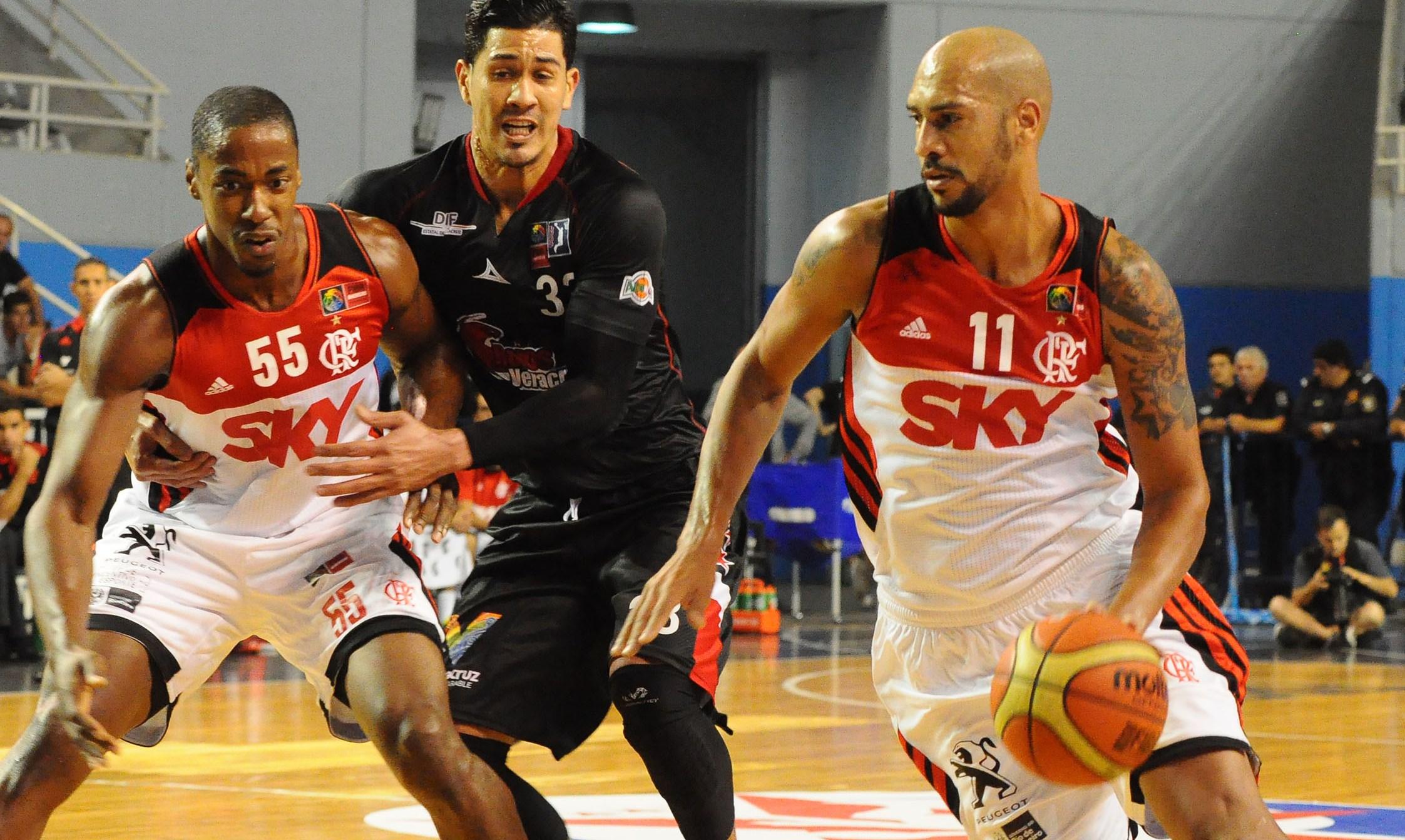 Marquinhos foi o cestinha da expressiva vitória flamenguista na abertura do Grupo F (FIBA Américas/Divulgação)