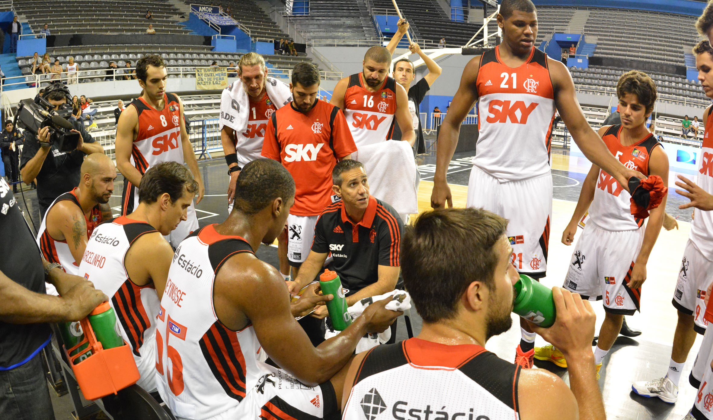 Flamengo se classificou ao Final Four com o 1º lugar do Grupo F (FIBA Américas/Divulgação)