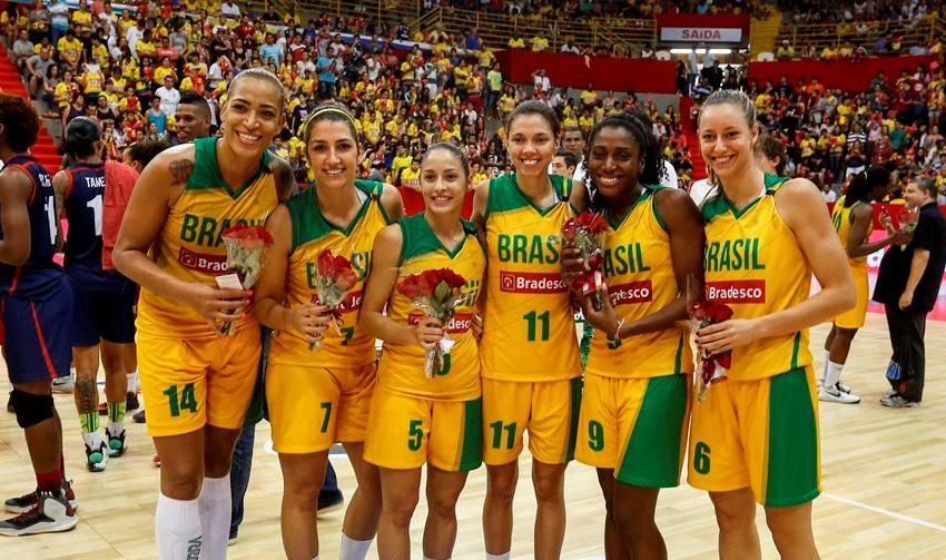 Com vitória suada sobre a LBF Mundo, o time brasileiro pôde fazer a festa (Inovafoto/Gaspar Nobrega)