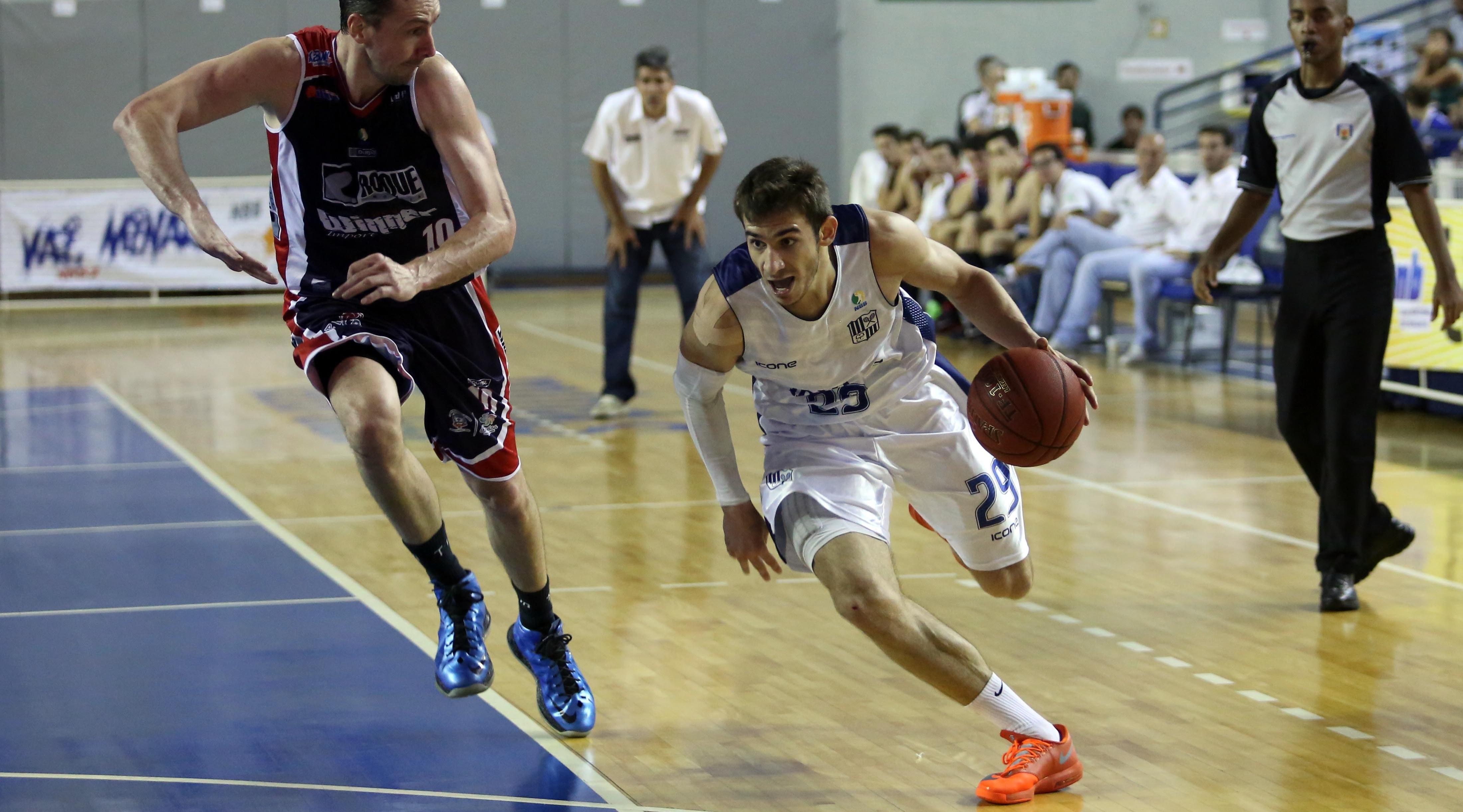 Explosivo ala/armador Danilo Siqueira teve ótima participação nos playoffs do NBB 7 (Orlando Bento/Minas TC)