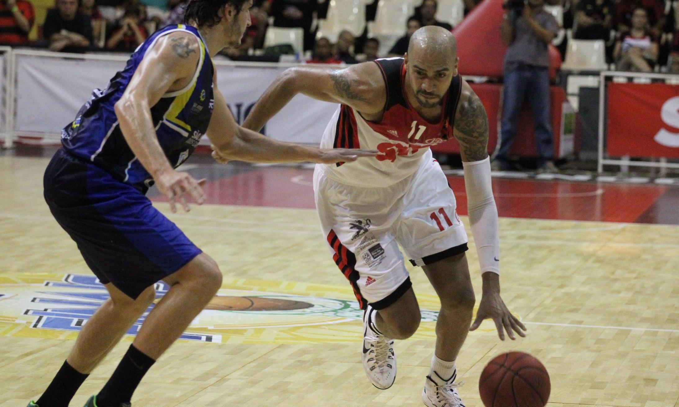 Marquinhos teve uma atuação de gala no 3º quarto e comandou a vitória flamenguista (Gilvan de Souza/Flamengo)