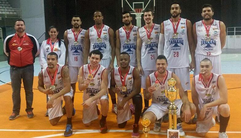Invicto, Jacareí faturou o título da Supercopa Brasil e conquistou o direito de disputar a próxima Liga Ouro (Divulgação/CBB)
